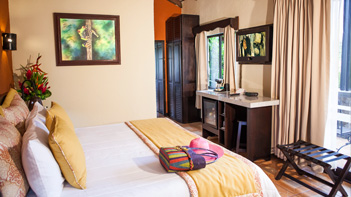 arenal springs room